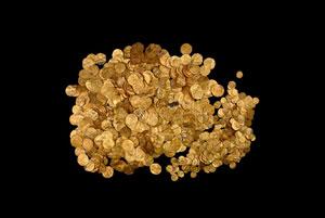 کشف ۹ کیلوگرم سکه طلای باستانی در سواحل مدیترانه