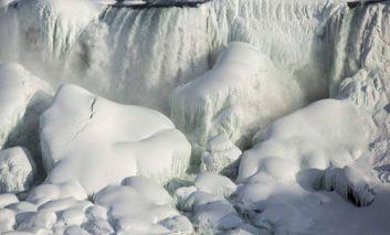 آبشارهای یخزده نیاگارا