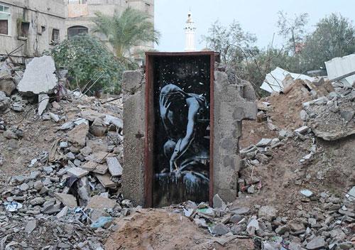 آثار بنکسی بر ویرانههای غزه
