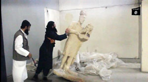 آیا گروه داعش آثار بدلی را در موزه موصل تخریب کردهاند؟