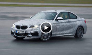 رقابت یک اتومبیل خودران BMW با قهرمان دریفت