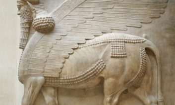 مقامات آمریکا آثار باستانی دزدیده شده را به عراق بازمیگردانند