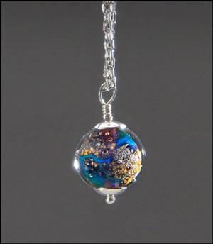 هنرمند آمریکایی جواهرات حاوی خاکستر از دسترفتگان میسازد