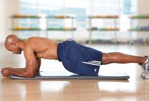 بهترین حرکات برای عضلات شکمی تخت در مردان