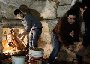 مرد لولهکش ایتالیایی، با حفر چاه به گنجینه هزاران ساله دست پیدا کرد!