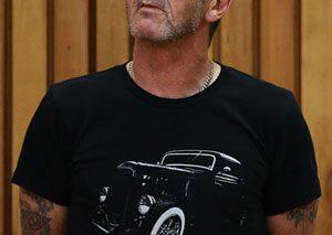 نوازنده سابق گروه AC/DC به دلیل تهدید به قتل، مجرم شناخته شد