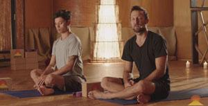 حرکت یوگایی که عوارض نشستن طولانیمدت را از بین میبرد