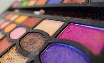 چه موادی نباید در لوازم آرایشی و بهداشتی به کار روند؟