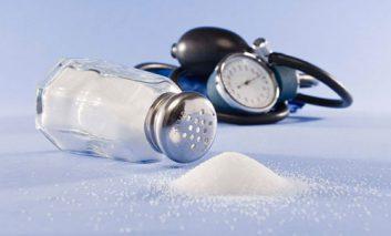 مواد غذایی که بیماران فشارخون بالا نباید مصرف کنند