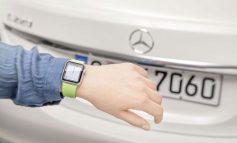 حالا میتوانید اتومبیل مرسدس-بنز را با ساعت اپل کنترل کنید