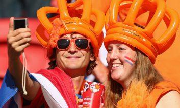 هلند اولین تیم صعودکننده به مرحله بعد
