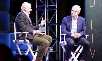 تیم کوک: وقت «یک تغییر عظیم» در صنعت اتومبیل سازی فرا رسیده