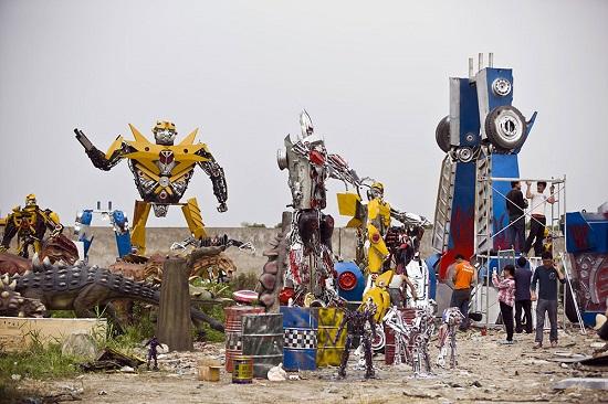 مرد چینی، روباتهای «Transformers» را در اندازه واقعی میسازد