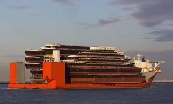 مارلین آبی؛ کشتی غول پیکر
