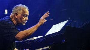 پیانیست افسانهای جز در ۷۵ سالگی درگذشت