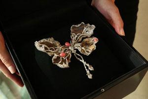فروش جواهر «پروانه بالرین» توسط سیندی چائو و سارا جسیکا پارکر