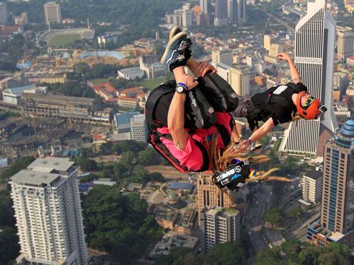 مسابقات پریدن از بالای برج در کوالالامپور