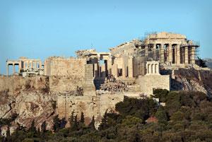 بحران جدید یونانیها: آکروپلیس در حال ریزش است