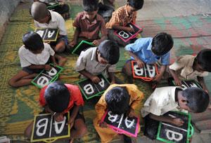 از چه سنی به کودک یک زبان خارجی بیاموزیم؟