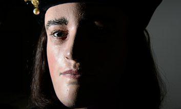 نمایش بقایای شبیهسازی شده «ریچارد سوم» پادشاه انگلستان