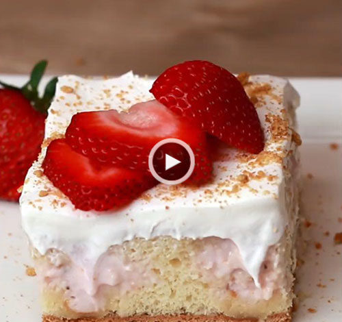 کیک چیزکیک و توتفرنگی