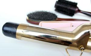 چگونه اتوی موی خود را تمیز کنیم؟