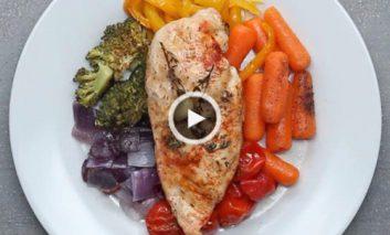 سینه مرغ و رنگینکمان سبزیجات