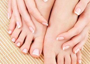 درمان طبیعی برای خشکی و ترکخوردگی پوست دست، آرنج و پا