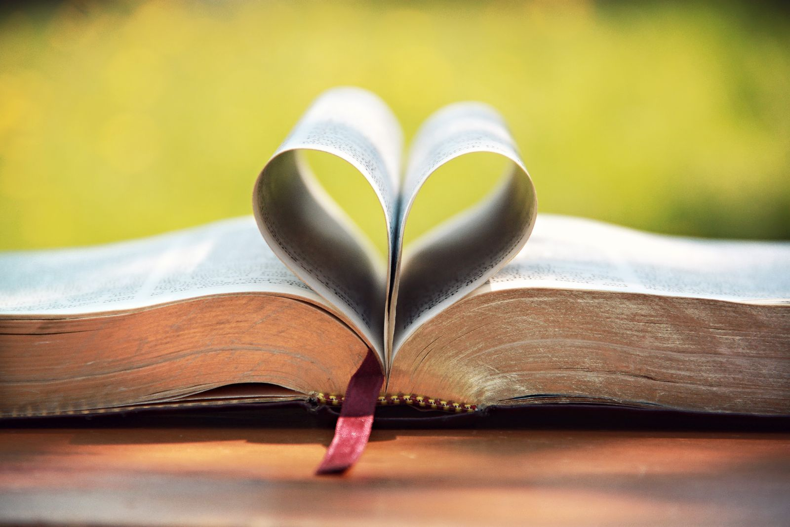 bible-love-religious-stock-photos