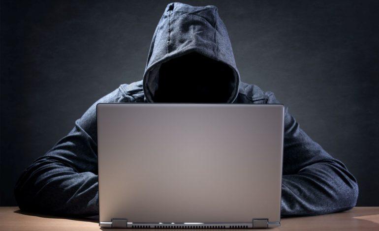 من آنلاینم…لطفاً مزاحم سایبری نشوید!