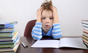 چرا بچههای پیش فعال بد خط مینویسند؟ چند راهکار برای این رفع این مشکل