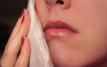 ۸ درمان خانگی برای آبسه دندان
