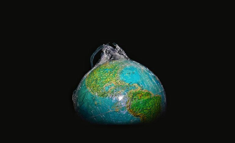 زمین چه باری را به دوش میکشد؟