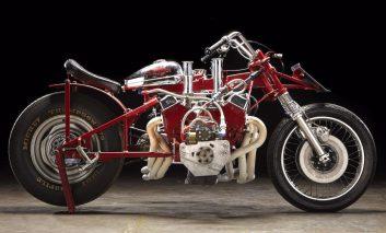 موتورسیکلتی که از یک موتور V8 بهره میبرد