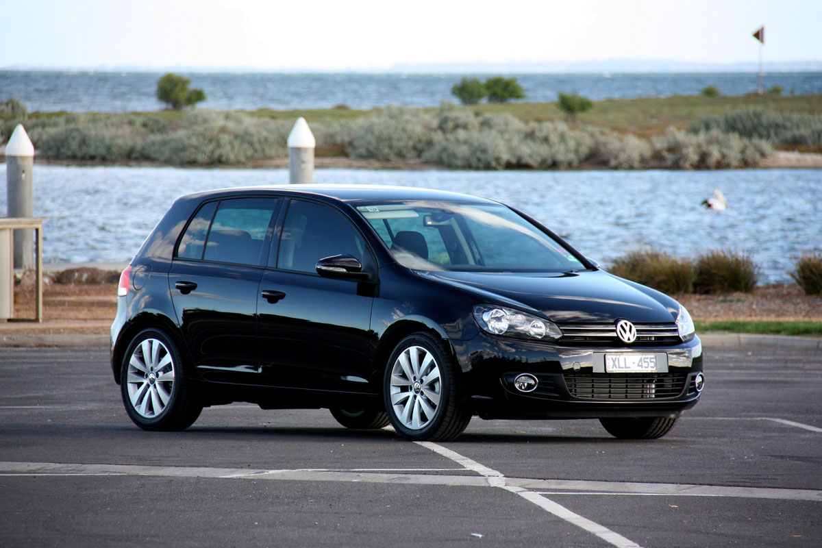 volkswagen-golf-hatchback