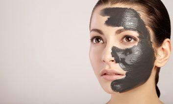 روش تهیه ماسک زغال برای پاکسازی صورت در منزل
