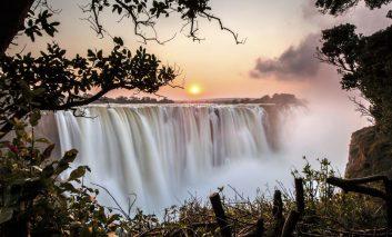 آبشار ویکتوریا؛ عروس زیبای قاره آفریقا