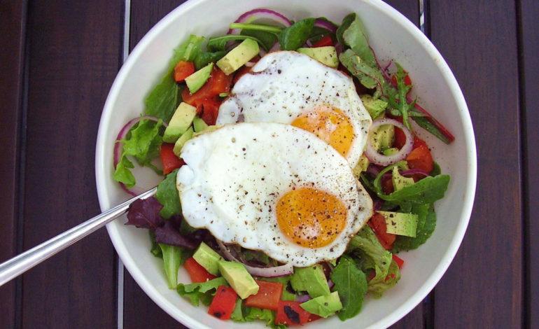 ۸ صبحانه که کربوهیدرات کمی دارند ولی شما را سیر میکنند