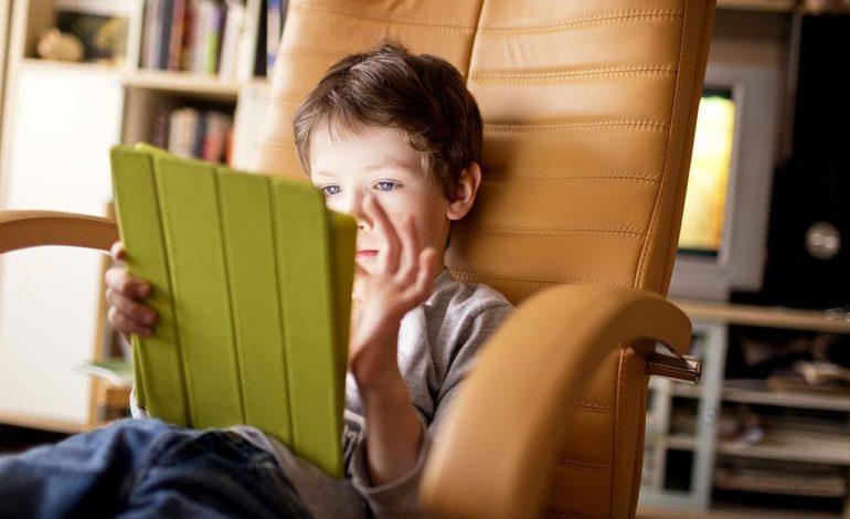 چگونه آیفون یا آیپد خود را برای کودکان قفل کنیم؟