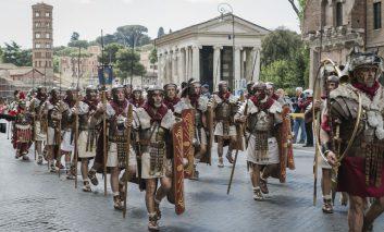 مراسم جشن تولد روم
