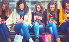 مراقب باشید استفاده زیاد از رسانههای اجتماعی شما را منزوی نکند!