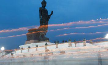 مراسم جشن تولد بودا در سراسر دنیا