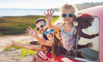 کنترل کودکان در سفرهای طولانی با خودروی شخصی