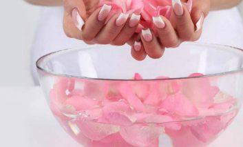 ۳ مرطوب کننده خانگی موثر برای پوستهای چرب