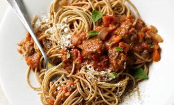 اسپاگتی با سس بلونِز