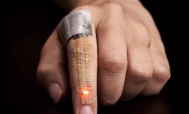 دستگاهی پوشیدنی و کاملاً قابل انعطاف که مانند پوست دومتان خواهد بود و اطلاعات لازم را برایتان ضبط میکند