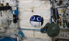 پهباد فضایی ژاپن، دوربینی کروی، بانمک و معلق در ایستگاه فضایی بین المللی است