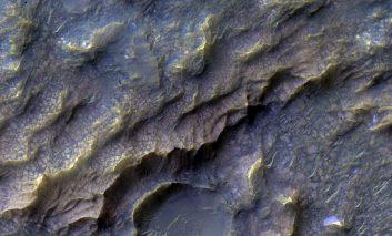 """ناسا """"پولکهای اژدها"""" را بر روی سطح مریخ مشاهده کرده است"""