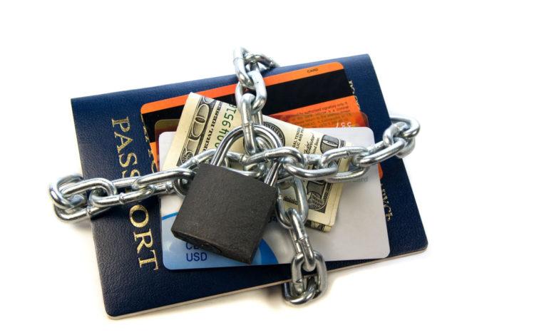 مراقبت از پاسپورت در سفر