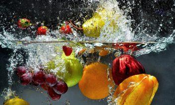 فوتوفن ضدعفونی کردن میوهها با وایتکس!